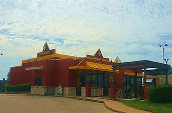 Golden Chick storefront.  Your local Golden Chick fast food restaurant in Midwest City, Oklahoma