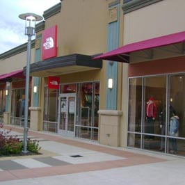 The North Face® Store at 127 Premium Outlets Drive, Ste 633, Monroe on