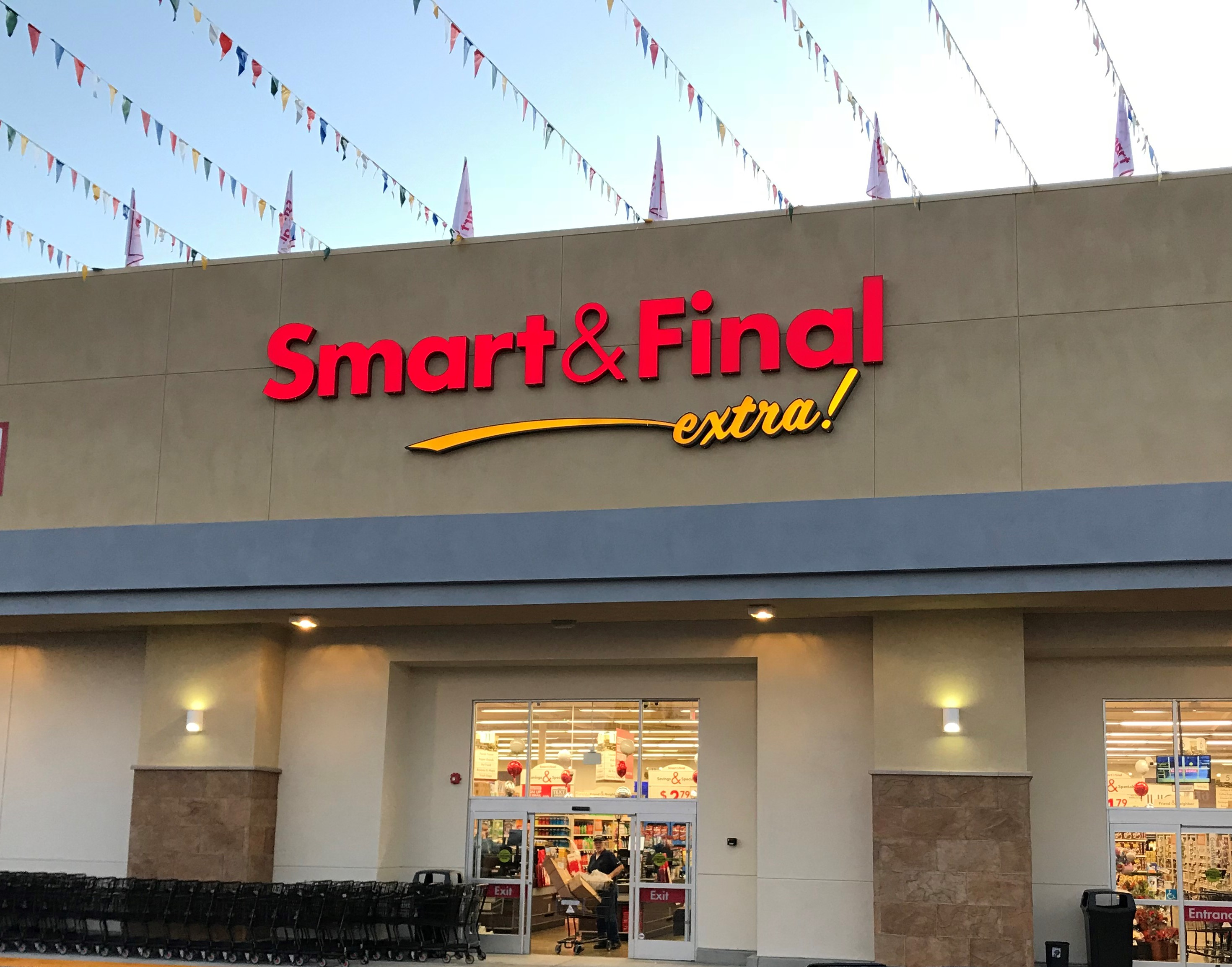 Smart & Final Store Front - Grocery Store in Torrance, CA