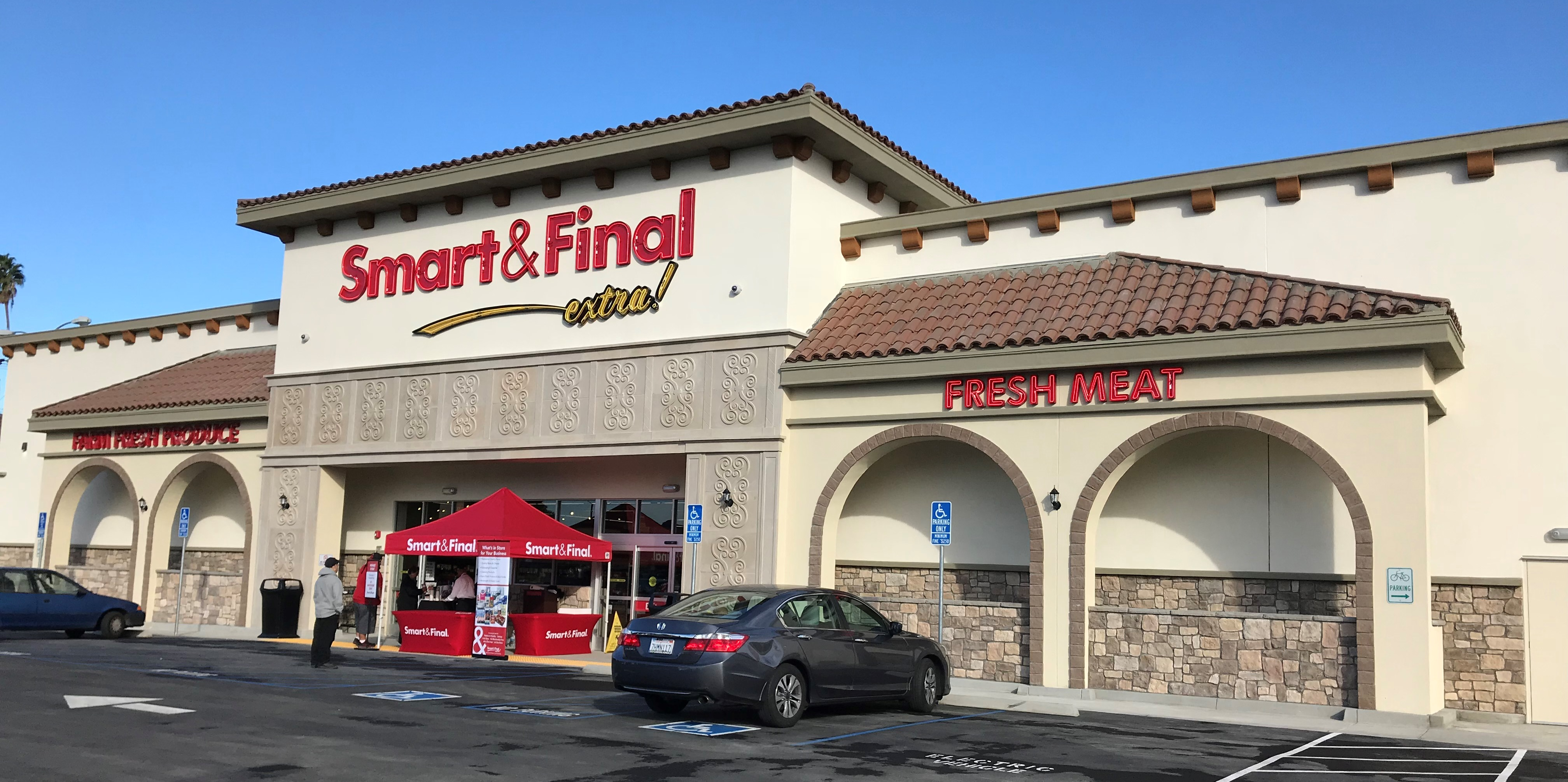 Smart & Final Store Front - Grocery Store in Azusa, CA