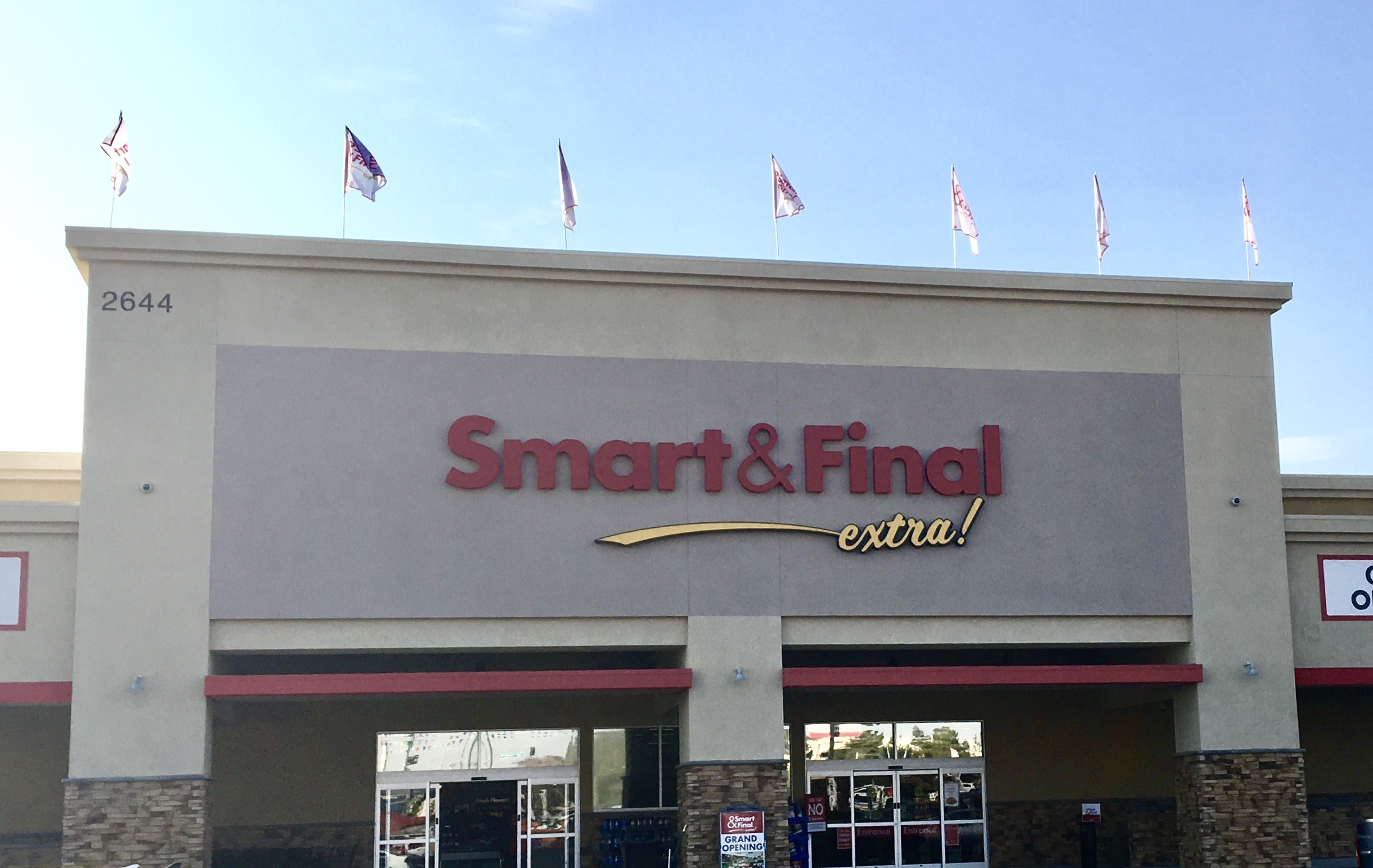 Smart & Final Store Front - Grocery Store in Bakersfield, CA