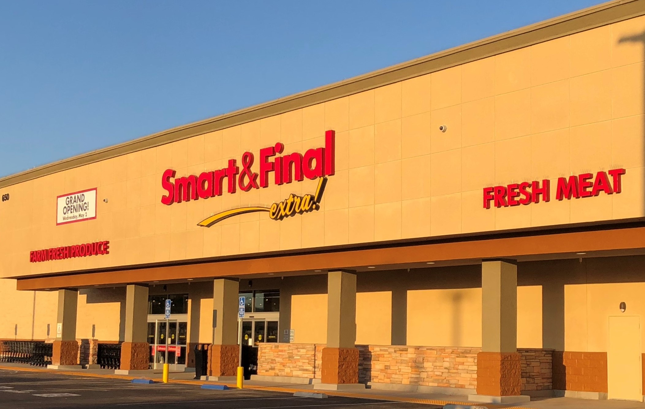 Smart & Final Store Front - Grocery Store in El Centro, CA