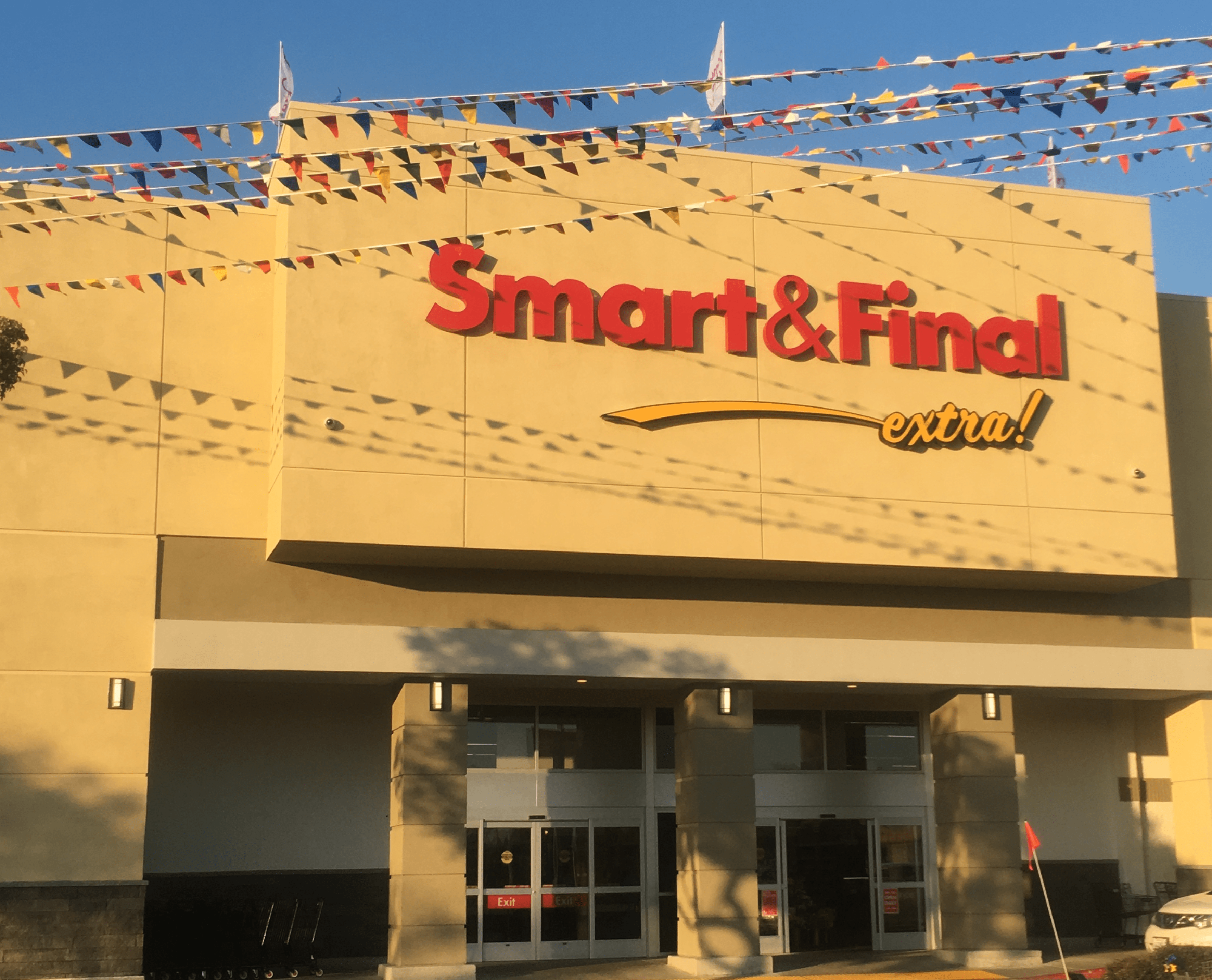 Smart & Final Store Front - Grocery Store in Yuba City, CA