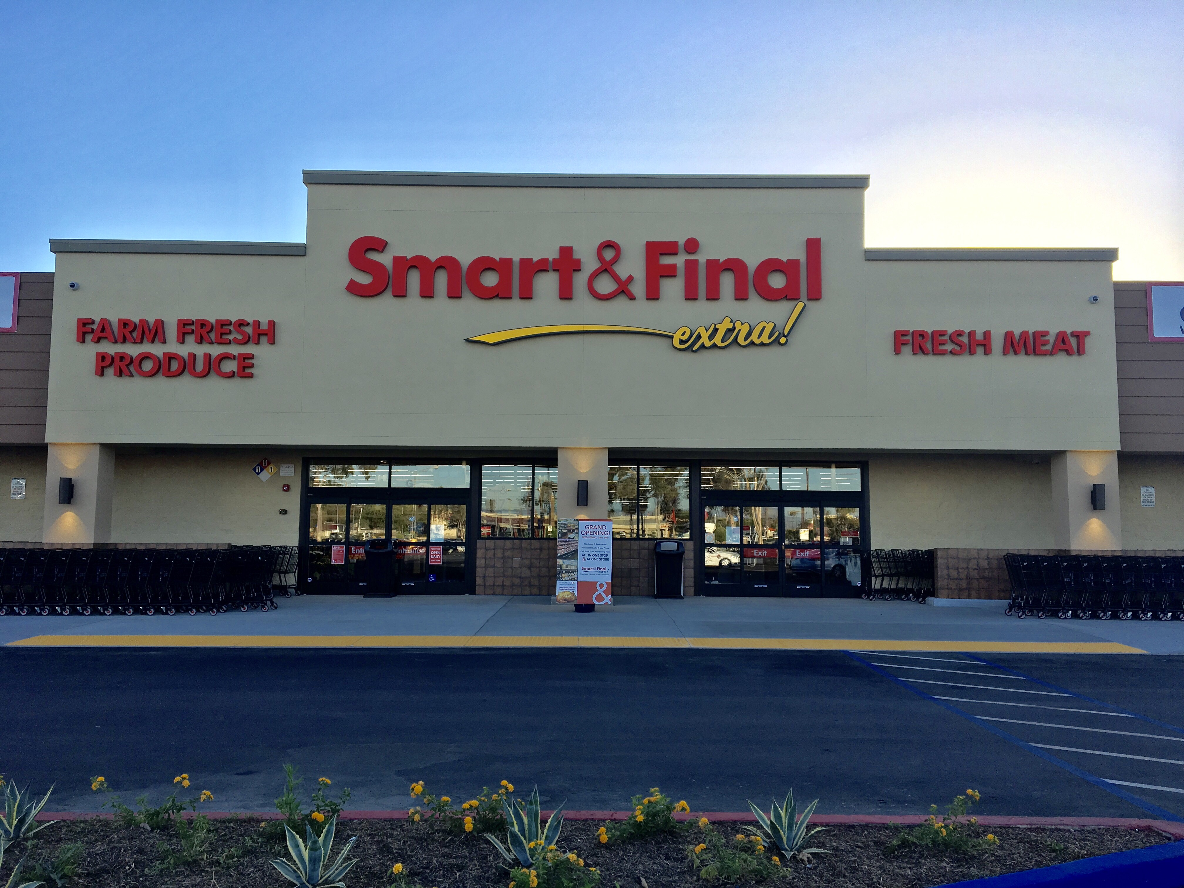 Smart & Final Store Front - Grocery Store in Garden Grove, CA