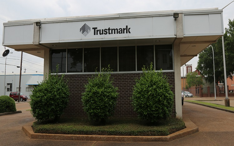 trustmark bank and atm location in greenwood  ms