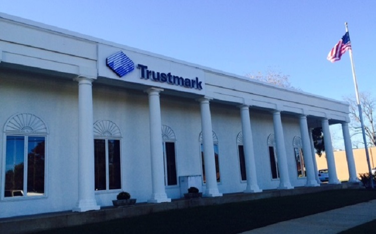 Trustmark storefront. Your local Banking services in Demopolis, Al.