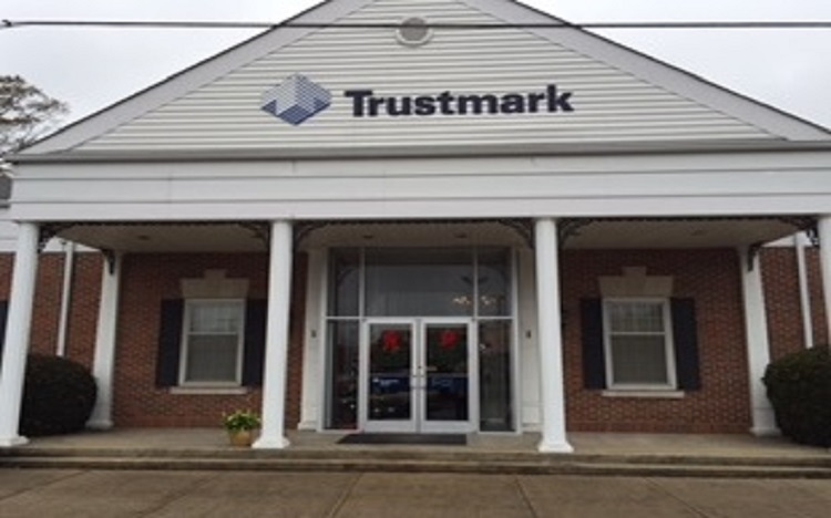 Trustmark storefront. Your local Banking services in Montevallo, Al.