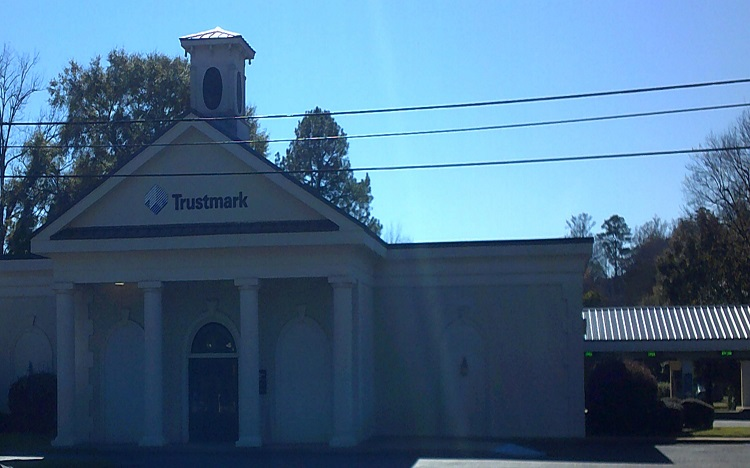 Trustmark Bank and ATM Location in Prattville, AL | 945