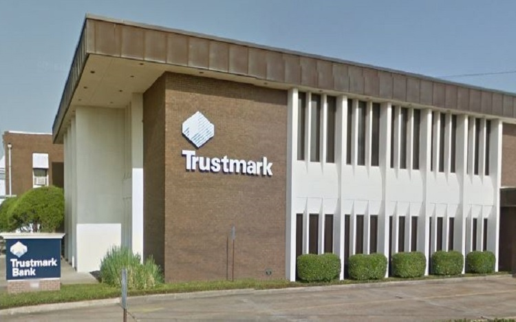 Trustmark storefront. Your local Banking services in Brandon, Ms.