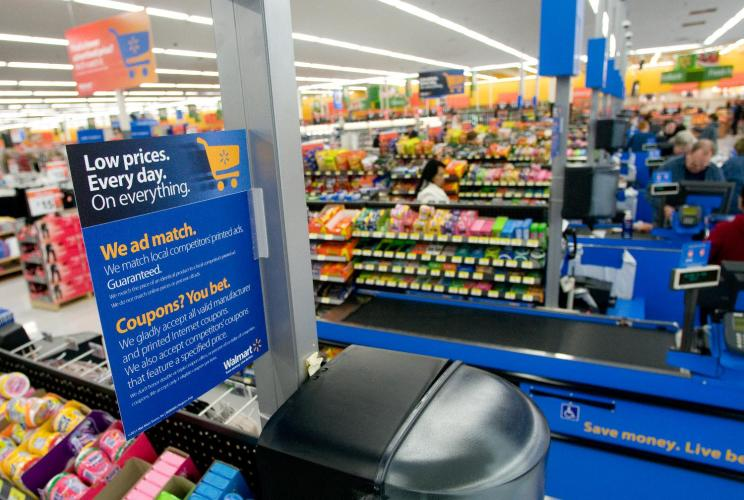 marketing and walmart Batavia, ohio (adagecom) -- it's marketing's time at walmart it's easy to become complacent when you are a $401 billion company whose shareholder meeting gets teen idol miley cyrus out of bed before 8 am to perform for more than 15,000 employees as a warm-up act for american idol kris allen but.