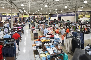 Golf Galaxy storefront. Your local sporting goods supply store in Austin, TX | 3201