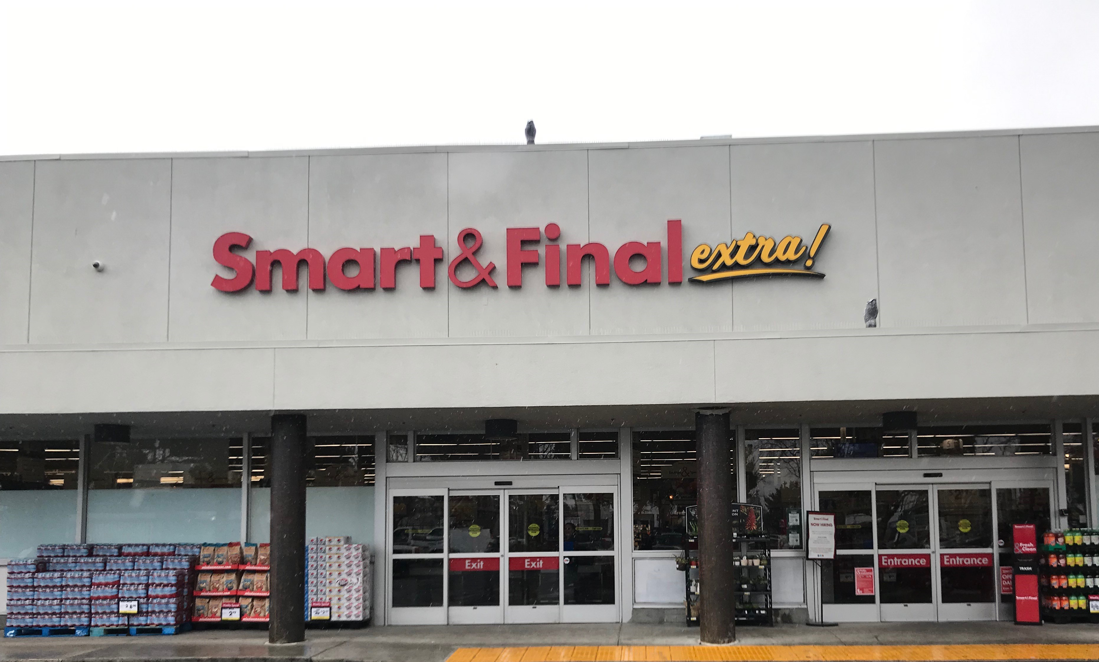 Smart & Final Store Front - Grocery Store in Mountain View, CA