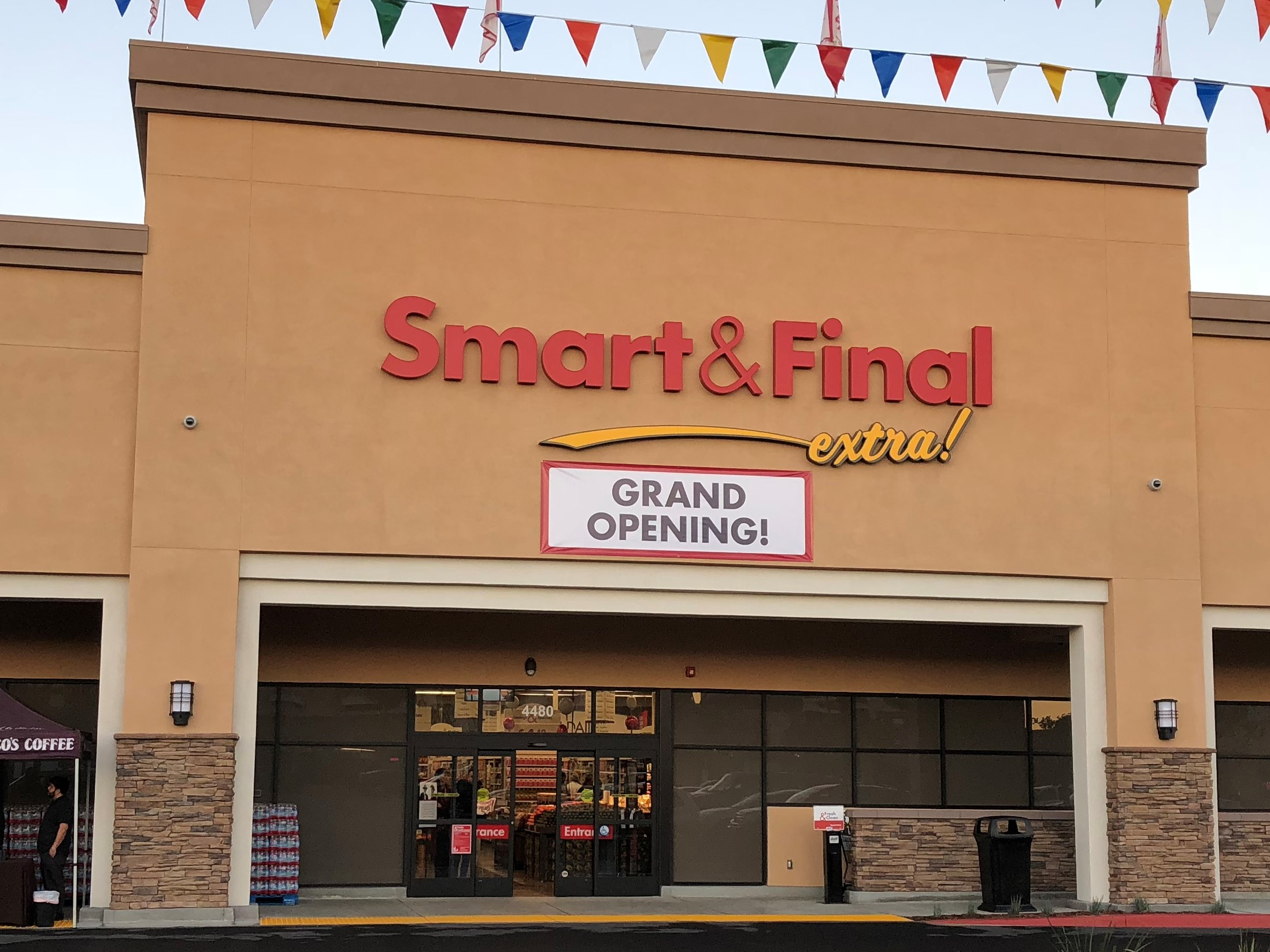 Smart & Final Store Front - Grocery Store in Long Beach, CA