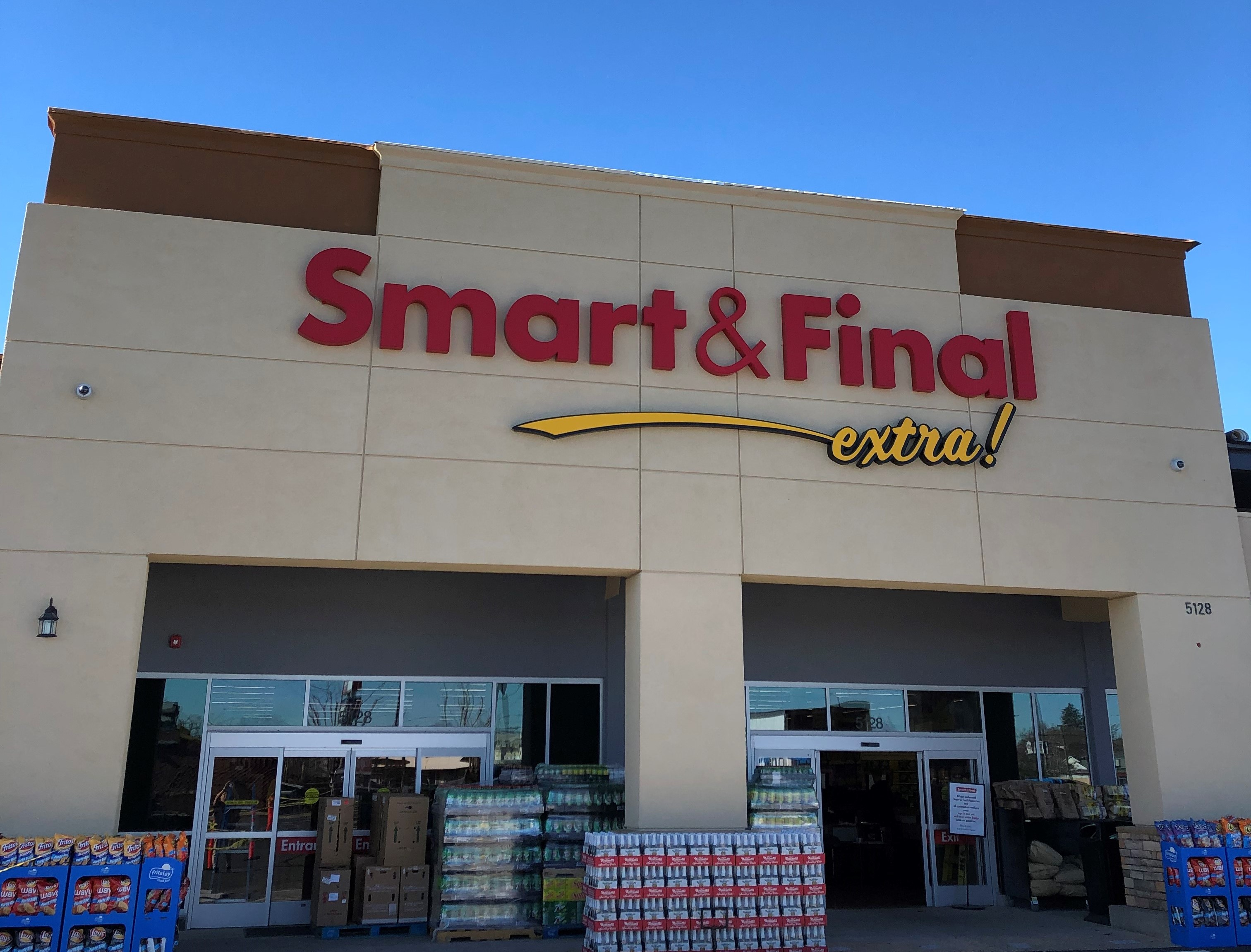 Smart & Final Store Front - Grocery Store in Sacramento, CA