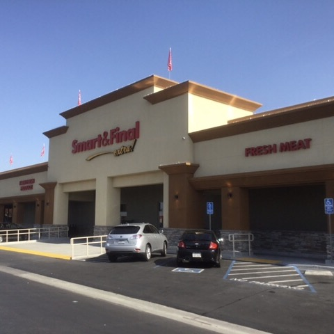 Smart & Final Store Front - Grocery Store in Clovis, CA