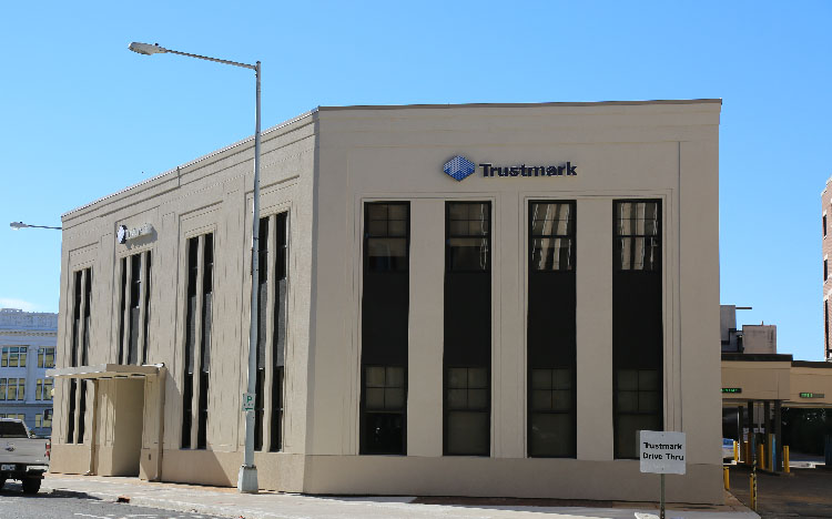Trustmark storefront. Your local Banking services in Meridian, Ms.